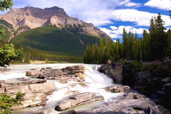 جاذبه های گردشگری کانادا که باید یکبار هم شده آنها را ببینید