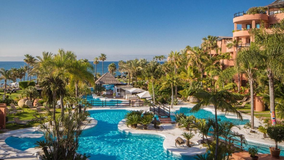 هتل لاگونا لاکچری کالکشن ریزورت بالی (The Laguna a Luxury Collection Resort and Spa)