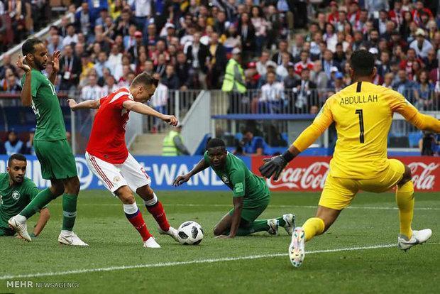 ورود دروازه بان خارجی موجب تضعیف فوتبال ملی است
