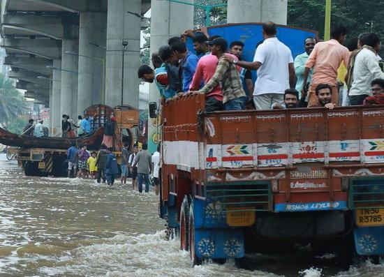 جنوب هند زیر شدیدترین سیلاب قرن