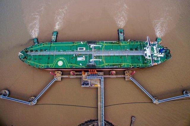 چین برای حمل نفت از نفتکش های ایرانی استفاده می نماید