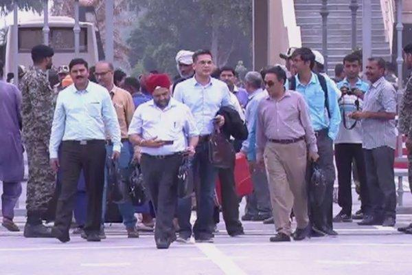 هیئت 9 نفره هندی وارد پاکستان گشت