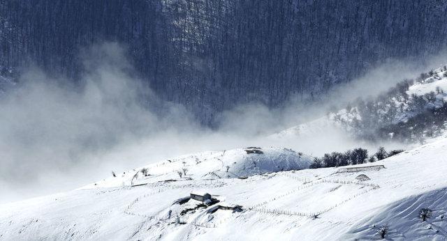 بارش برف تابستانی در بحبوحه فصل گردشگری در ترکیه