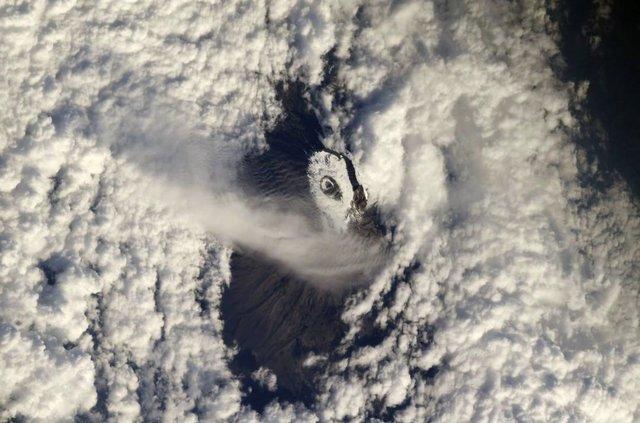 نمای قله کلیمانجارو از ایستگاه فضایی بین المللی