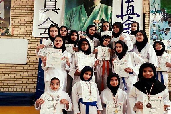 تیم کاراته بانوان فردوس نایب قهرمان مسابقات کیوکوشین کشور شد