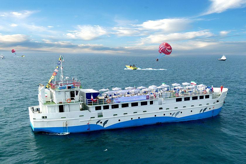 کشتی کروز قشم برای اولین بار در ایران