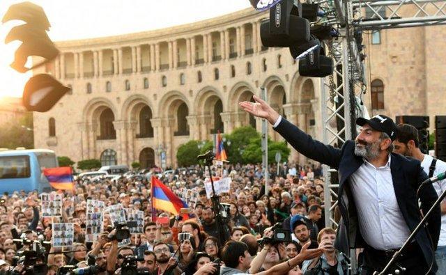 برگزاری انتخابات پارلمانی زودهنگام در ارمنستان، خیز پاشینیان برای تحکیم قدرت