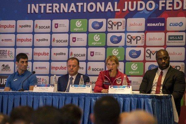 تیم متحد دو کره در رقابتهای تیمی، رنر مسئول کمیته ورزشکاران