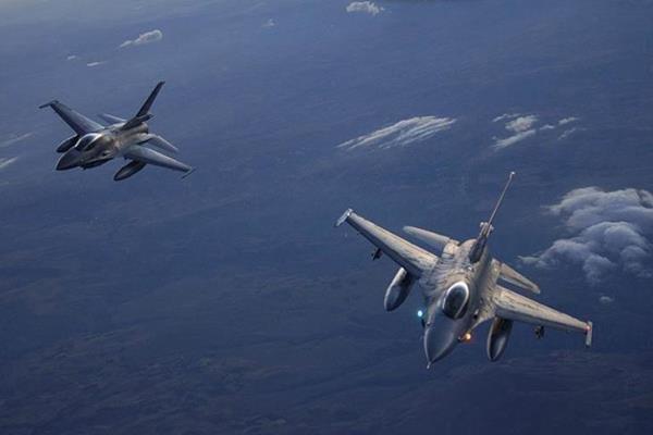 10 غیر نظامی در حملات هوایی در افغانستان کشته شدند