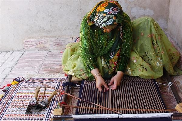 کارگاه های صنایع دستی فارس گواهی کیفیت دریافت می نمایند