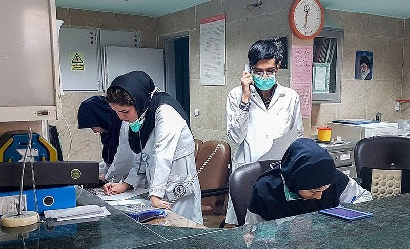 شریفی مقدم در مصاحبه با خبرنگاران اطلاع داد؛ بیکاری 30 هزار پرستار به دلیل صادر نشدن مجوز استخدام، 80 هزار پرستار در بیمارستان ها کم داریم