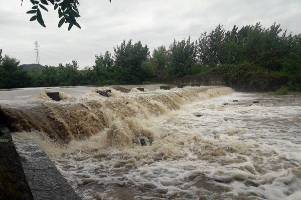 احتمال طغیان رودخانه ها، مردم از حضور درحاشیه مسیل ها خودداری نمایند