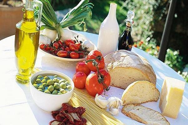 تاثیر رژیم غذایی مدیترانه ای بر کاهش ریسک سرطان روده