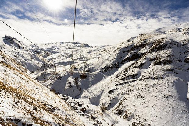 بارش برف در محور چالوس، دمای دیزین به منفی 5 درجه رسید