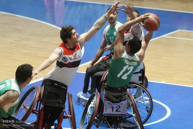 تیم بسکتبال معلولان وجانبازان اراک تیم جانبازان شیراز رامغلوب کرد