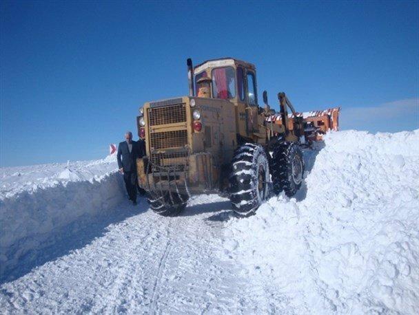 مسدود شدن راه 60 روستا در برف کهگیلویه و بویراحمد