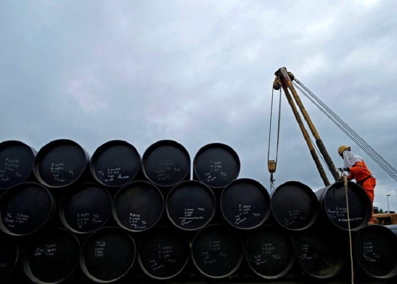 روزنامه چینی: هند با آمریکا برای خرید نفت ایران سرشاخ می گردد