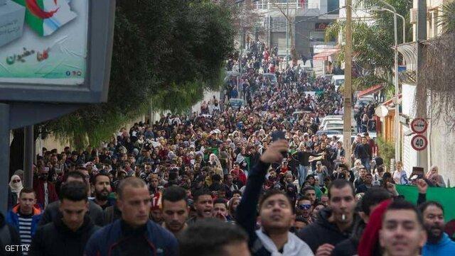 4 سناریو برای بحران الجزایر