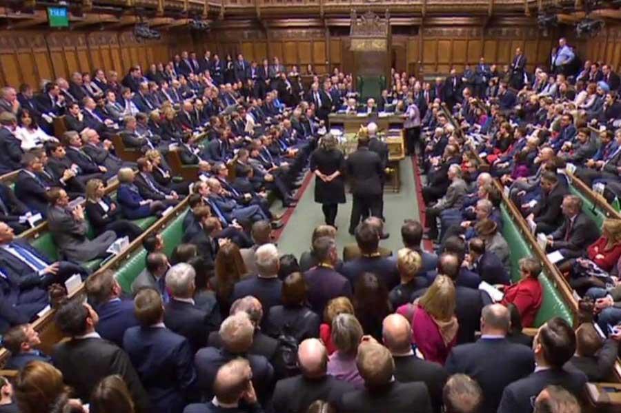 مجلس انگلیس بر سر برگزیت به بن بست خورد