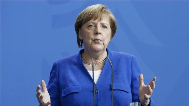 مرکل پیشنهاد خروج یونان از منطقه یورو را مطرح نموده بود