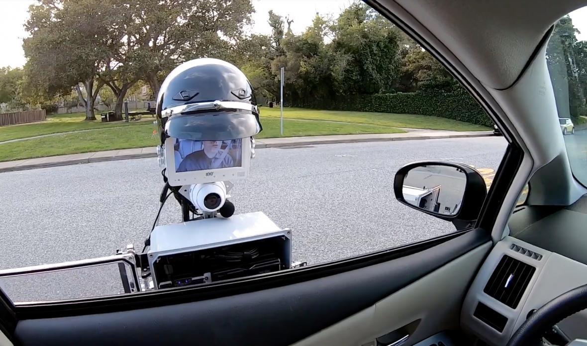 نظارت بر تصادفات جاده ای با روبات پلیس