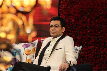مقتل خوانی فرزاد حسنی در سوگ چامه ها، یک کمی خوشی خوانش می گردد