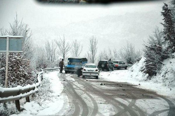 مسدود شدن 180 راه روستایی کهگیلویه و بویراحمد، تردد در محورهای اصلی جریان دارد