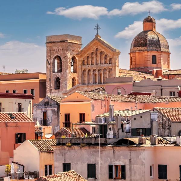 خانه های اولولای ایتالیا (Ollolai) به قیمت 1.2 دلار به فروش میرسد