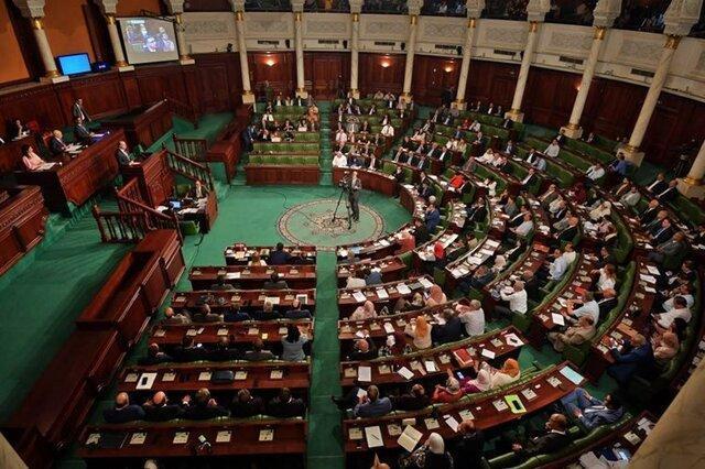 مجلس تونس یکم سپتامبر اعطای رای اعتماد به کابینه را آنالیز می نماید