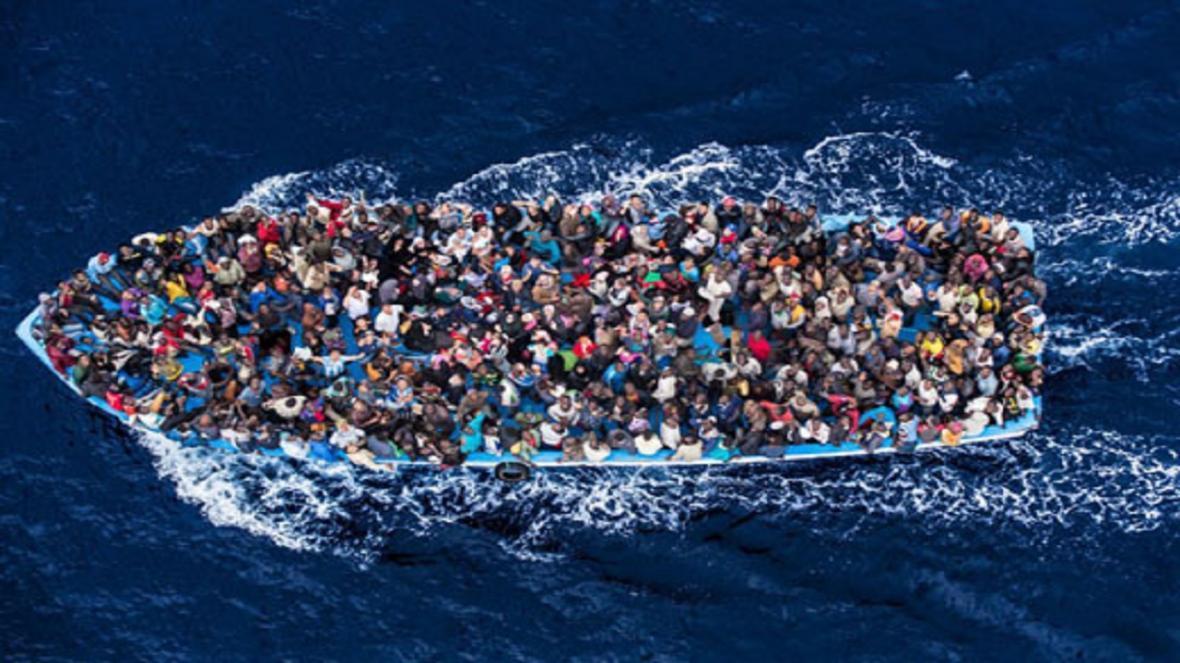 واژگونی قایق پناهجویان در مدیترانه؛ 11 مهاجر آفریقایی کشته شد