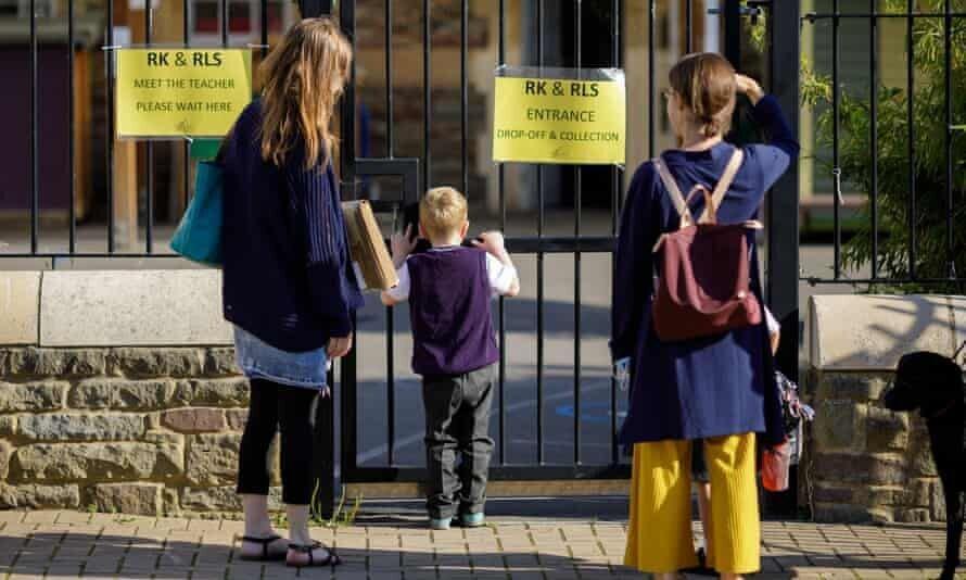 هشدار سازمان بهداشت جهانی: بازگشایی مدارس شیوع کرونا را افزایش می دهد ، تجربه نگران کننده انگلیس