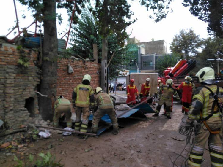 (ویدئو و تصاویر) آخرین جزییات از ریزش ساختمان خیابان ابوذر