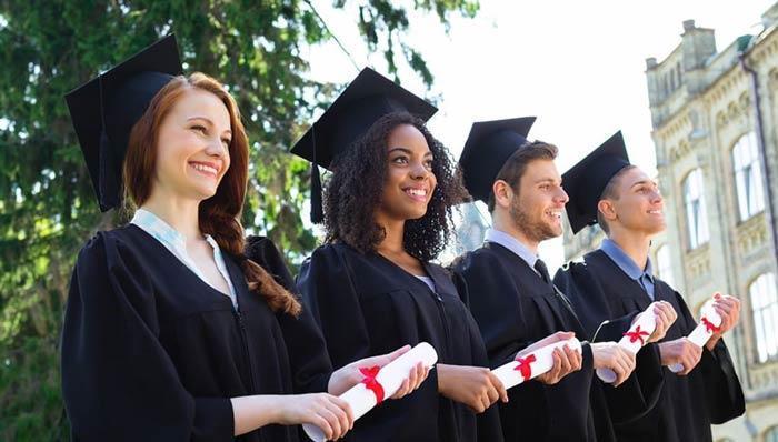 با شرایط اخذ بورسیه تحصیلی در کانادا آشنا شوید