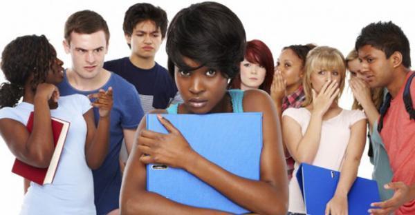 اضطراب اجتماعی چیست؟ بررسی علل و عوامل تا تشخیص و درمان