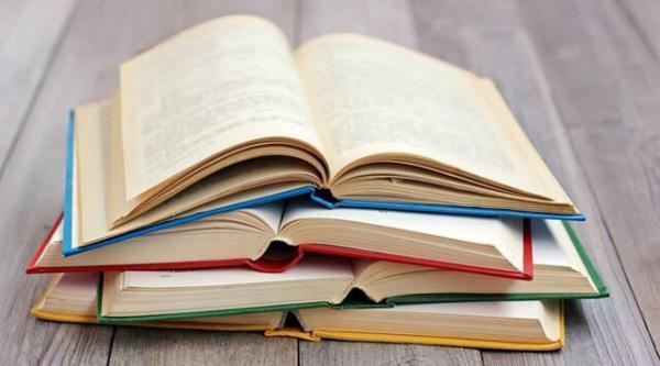 کاشانی ها 19 هزار جلد کتاب به کتابخانه ها اهدا کردند