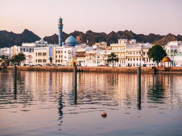 حمل و نقل و رفت و آمد در عمان