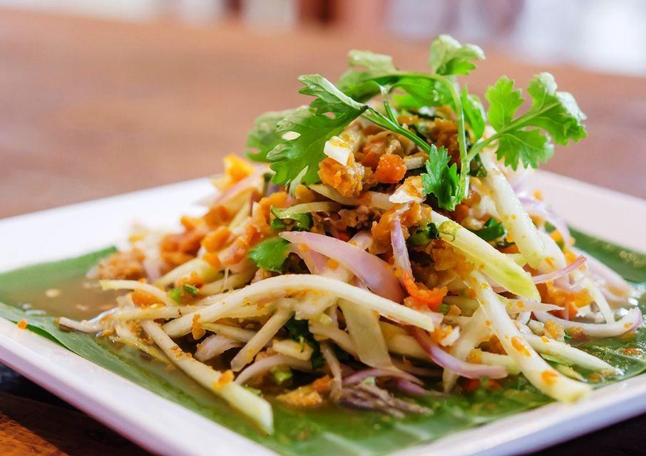تجربه غذاهای خیابانی تایلندی