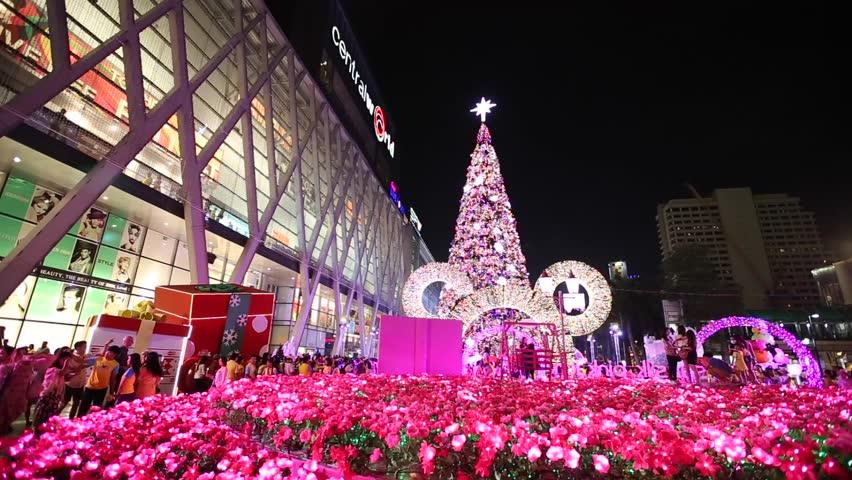 با مرکز خرید سنترال ورلد بانکوک آشنا شوید