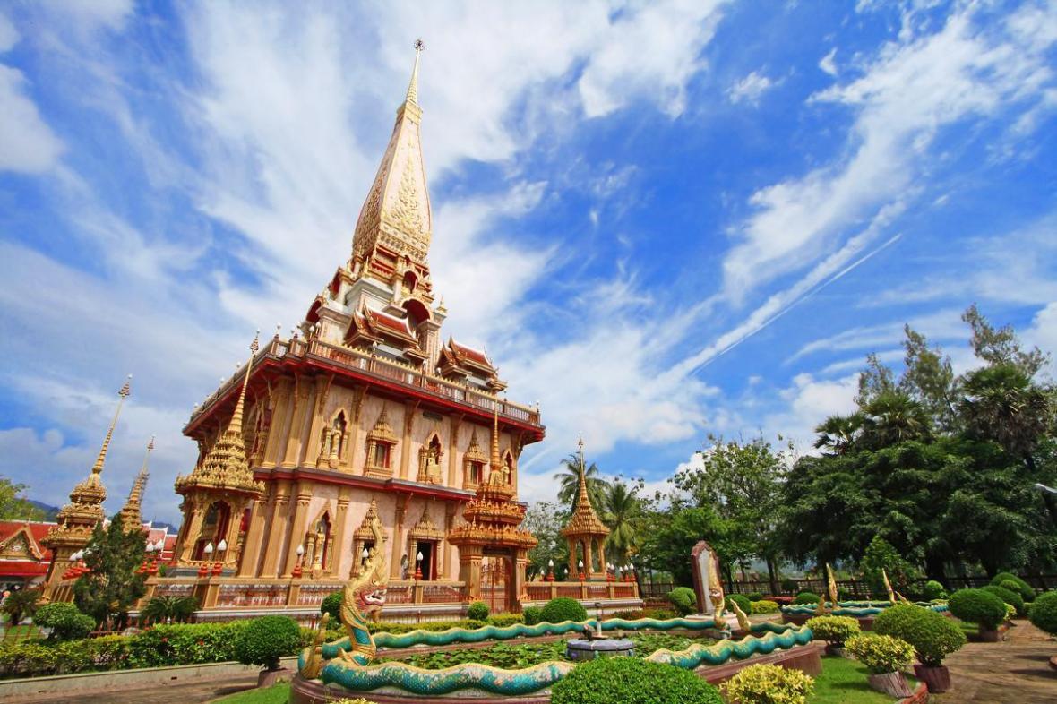 معبد وات چالونگ در پوکت