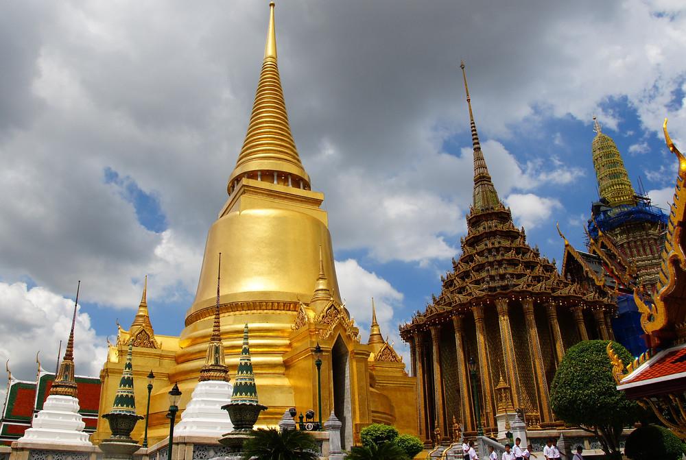 معبد وات فو در بانکوک