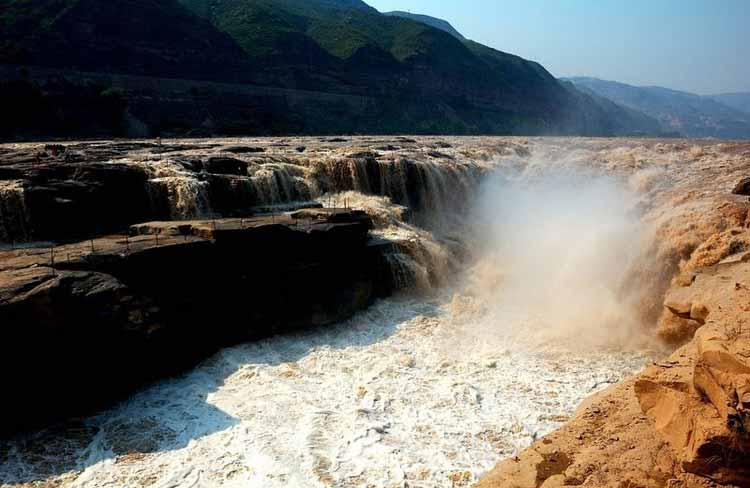 آبشار هوکو در چین
